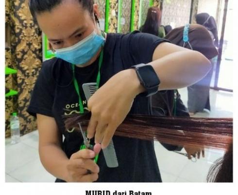 Peserta Kursus Ambil Jurusan Salon Kecantikan, datang dari Batam, Kepulauan Riau KURSUS KILAT SALON KECANTIKAN & TATA RIAS PENGANTIN Fullday Learning, Step by Step, DIJAMIN PASTI BISA, Pilihan Paket Kursus […]